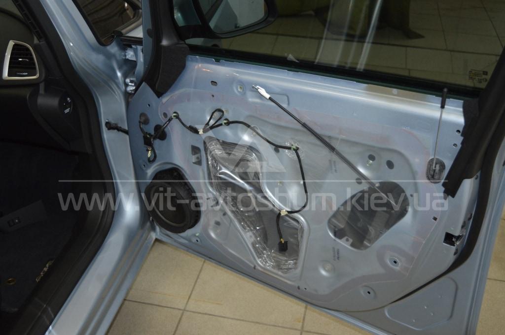 Подготовка двери под Opel Astra H, под шумоизоляцию