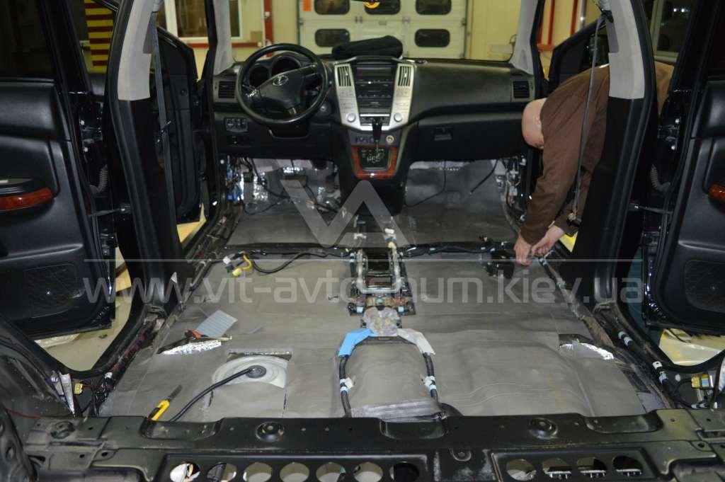 Шумоизоляци пола Lexus RX300