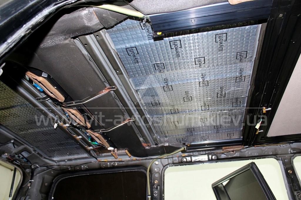 Виброшумоизоляция потолка Toyota Land Cruiser