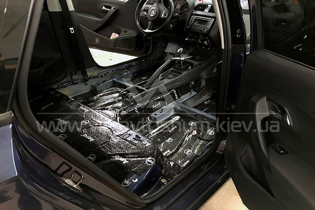 Виброшумоизоляция пола Volkswagen Polo Sedan
