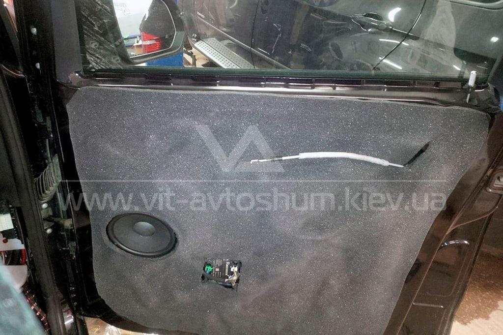 Шумоизоляция двери Mercedes-Benz Vito